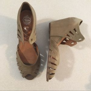 Jeffrey Campbell   Tan Leather Wedges Size 7